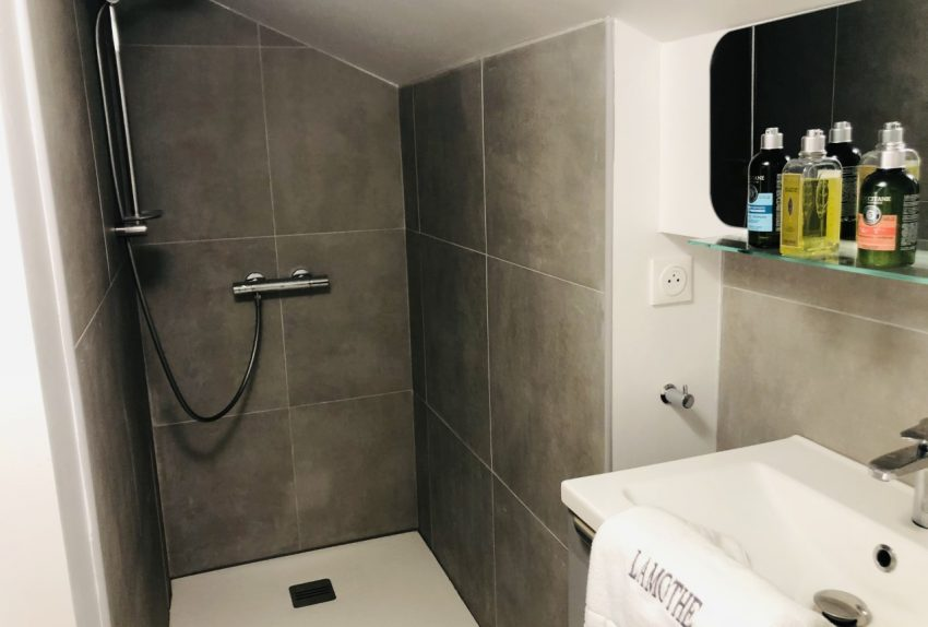 Gramont Bathroom